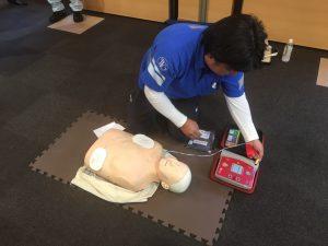 AEDの使い方とその後の手順を教えていただきました。とても緊張しました。