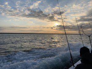 大漁の予感?きれいな朝焼けでした。